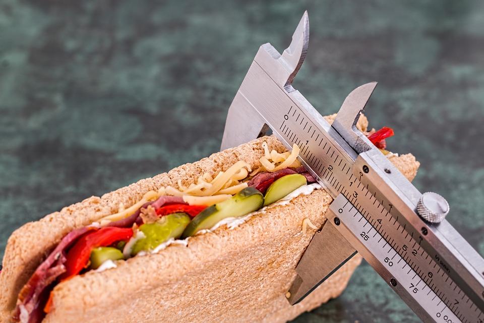 """""""De la caquexia al sobrepeso: el impacto del tratamiento antirretroviral en el estado nutricional de los pacientes con infección por VIH"""""""